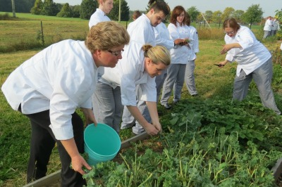 Chef Sue Roth and Students in the garden (Photo by Patricia Canavan)